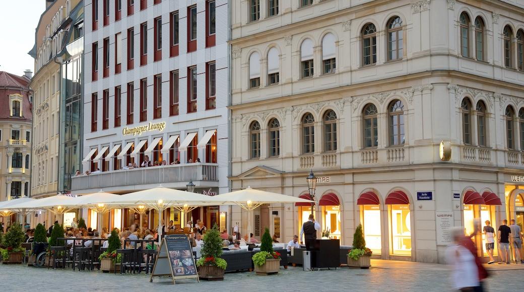 Neumarkt das einen Restaurants und Lokale und Straßenszenen