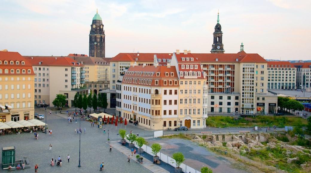 Neumarkt welches beinhaltet Landschaften und Stadt
