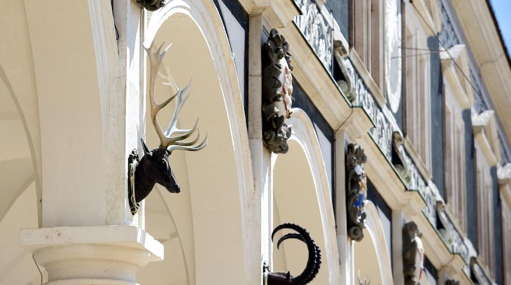 Residenzschloss Dresden welches beinhaltet historische Architektur