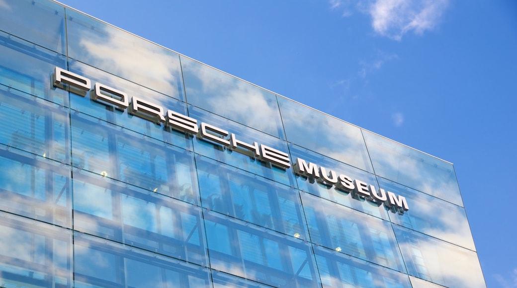 Museo de Porsche mostrando señalización