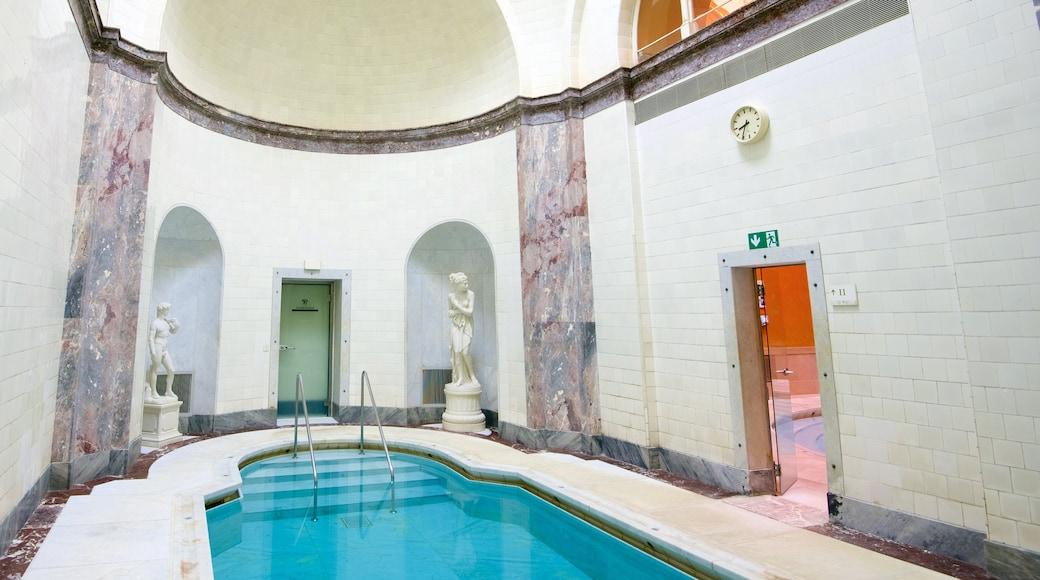 Caracalla Therme das einen Innenansichten und Pool