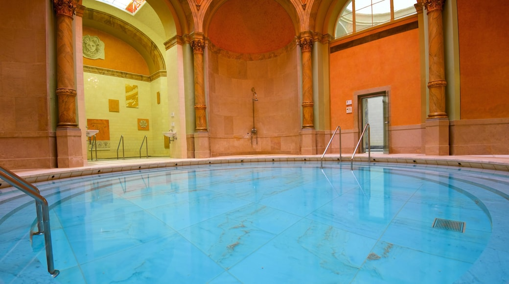 Caracalla Therme welches beinhaltet Pool
