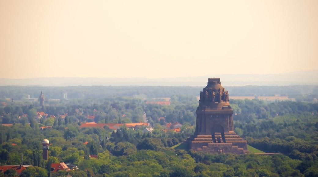 Völkerschlachtdenkmal welches beinhaltet Landschaften und Monument