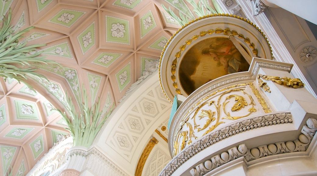 Nikolaikirche welches beinhaltet Innenansichten und Kirche oder Kathedrale