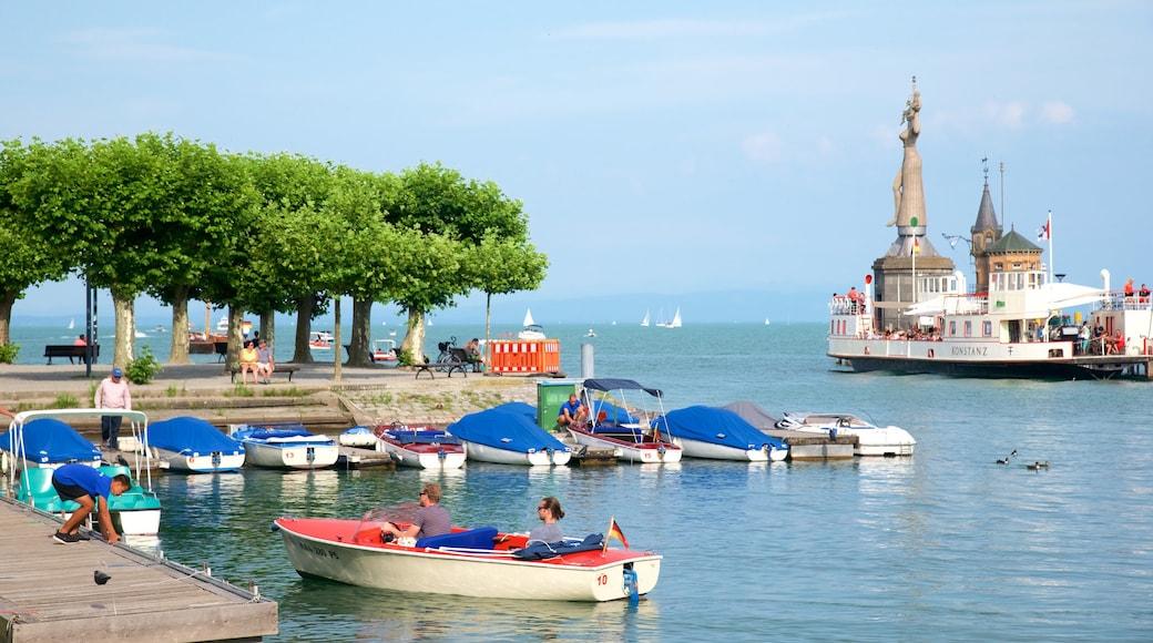 Hafen von Konstanz das einen Bootfahren, Bucht oder Hafen und allgemeine Küstenansicht