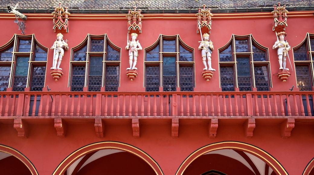 Münsterplatz toont historische architectuur