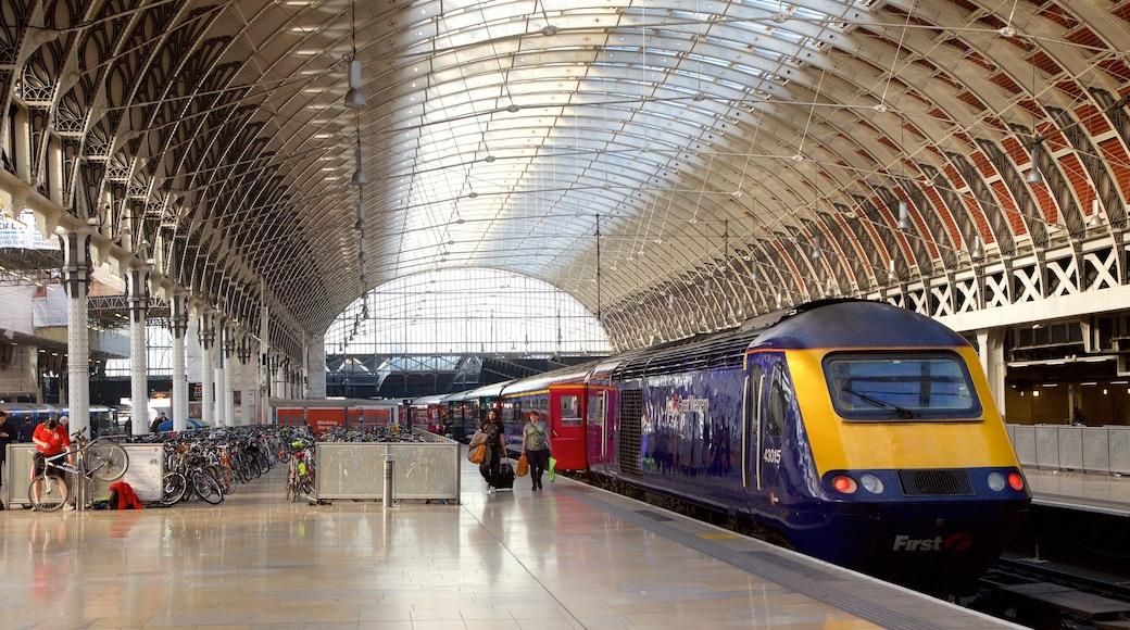 Paddington toont interieur, spoorwegen en historische architectuur