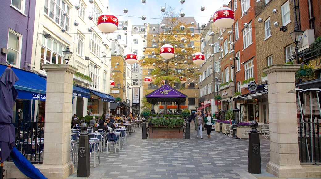 Marylebone showing a square or plaza