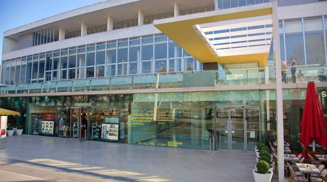 Southbank Centre showing theatre scenes, café lifestyle and views