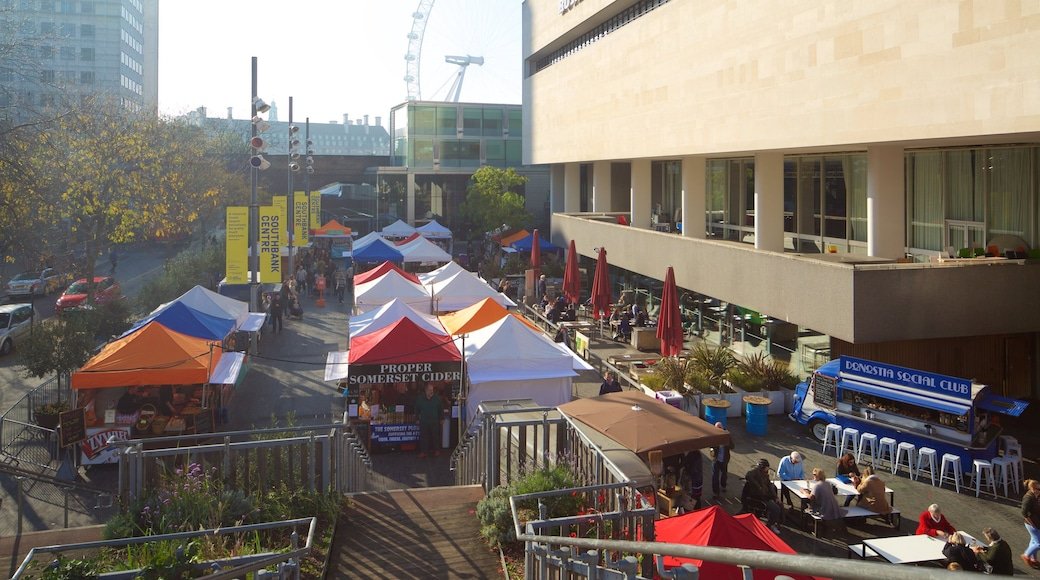Southbank Centre showing a square or plaza, theatre scenes and markets