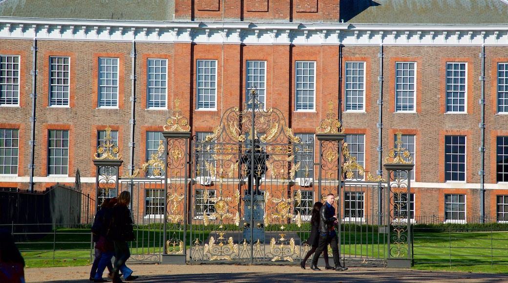 Kensington Palace featuring heritage architecture and château or palace