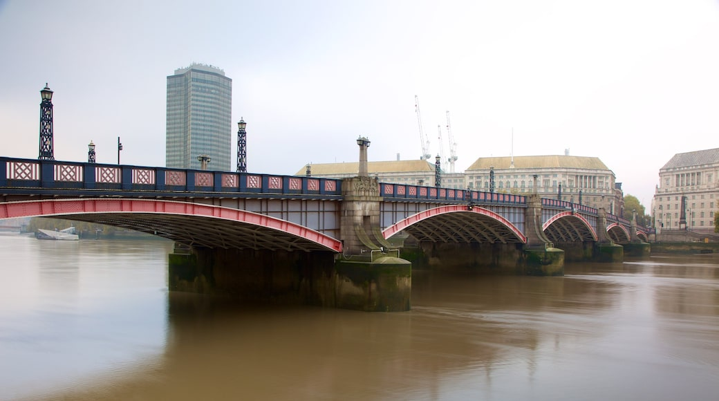 Lambeth Bridge which includes a river or creek and a bridge