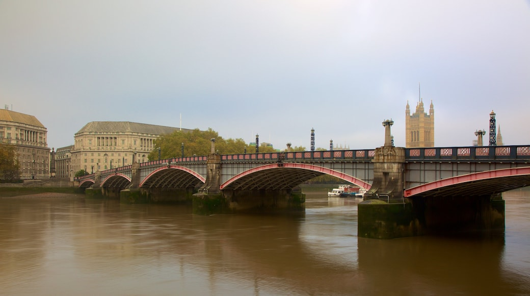 Lambeth Bridge which includes a bridge and a river or creek