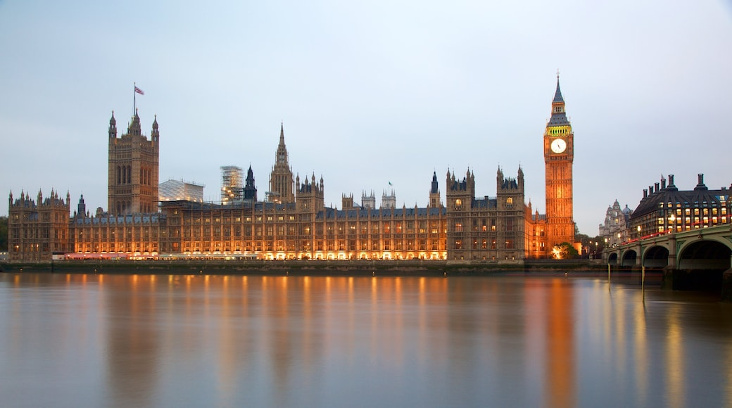 Houses of Parliament which includes heritage architecture, a monument and a river or creek