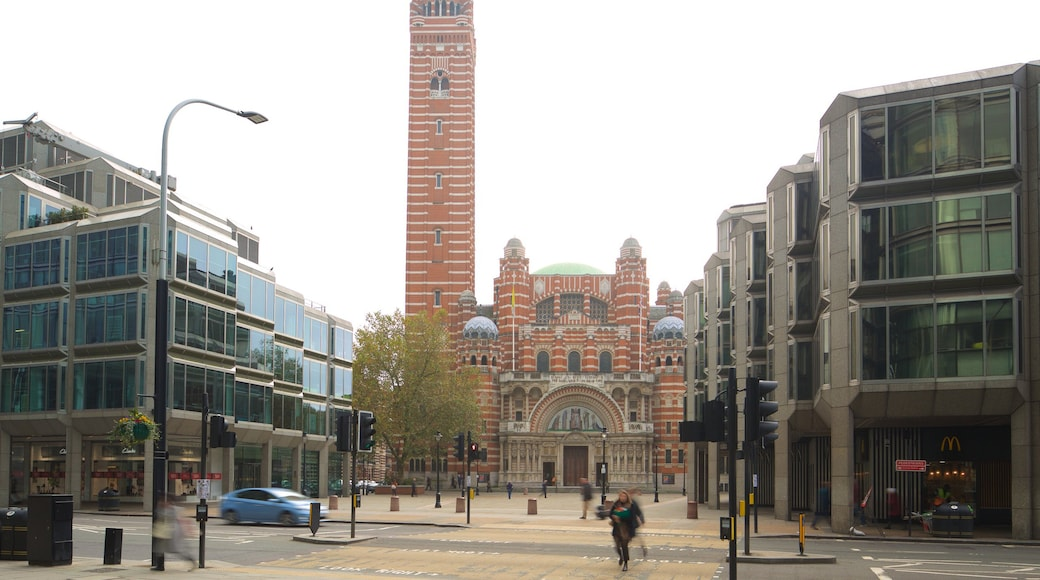 Westminster Cathedral showing heritage architecture, a square or plaza and a city