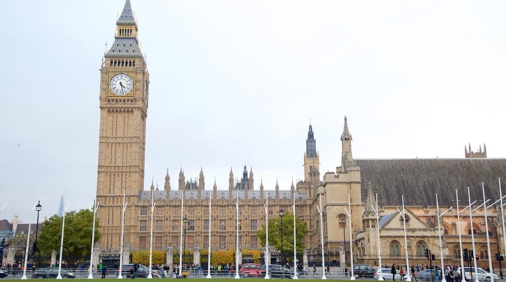 Parliament Square fasiliteter samt administrativ bygning og historisk arkitektur