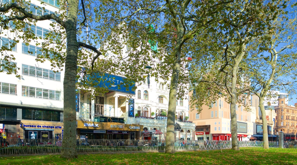 Leicester Square featuring a city and a park