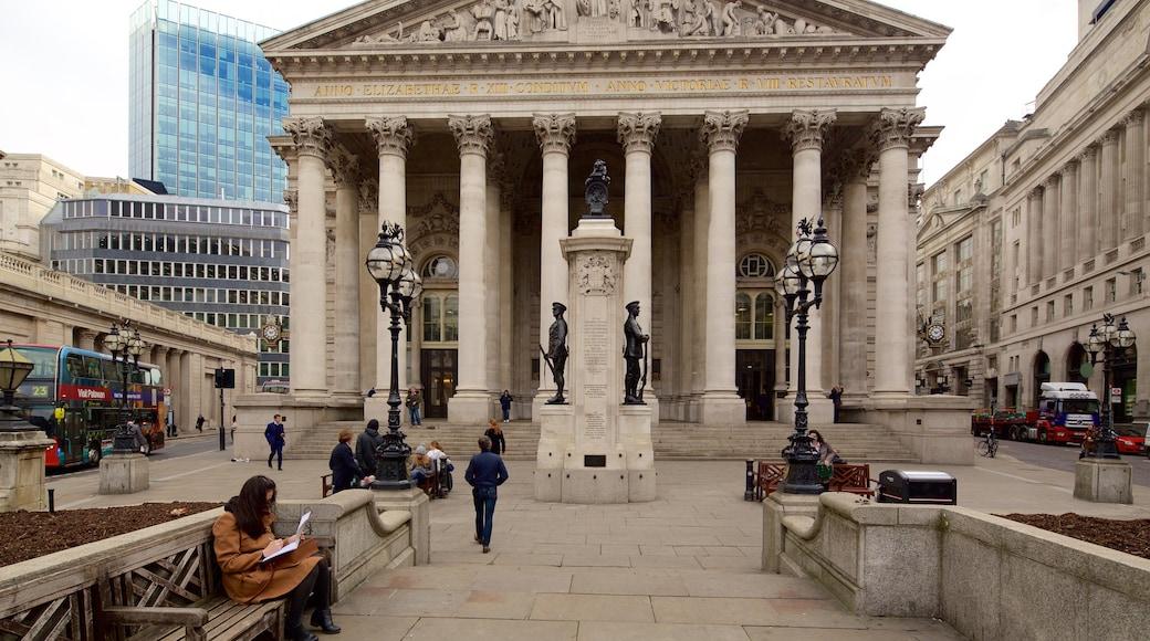 Royal Exchange mostrando um monumento, uma cidade e arquitetura de patrimônio