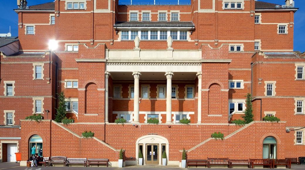 Kennington Oval featuring heritage architecture