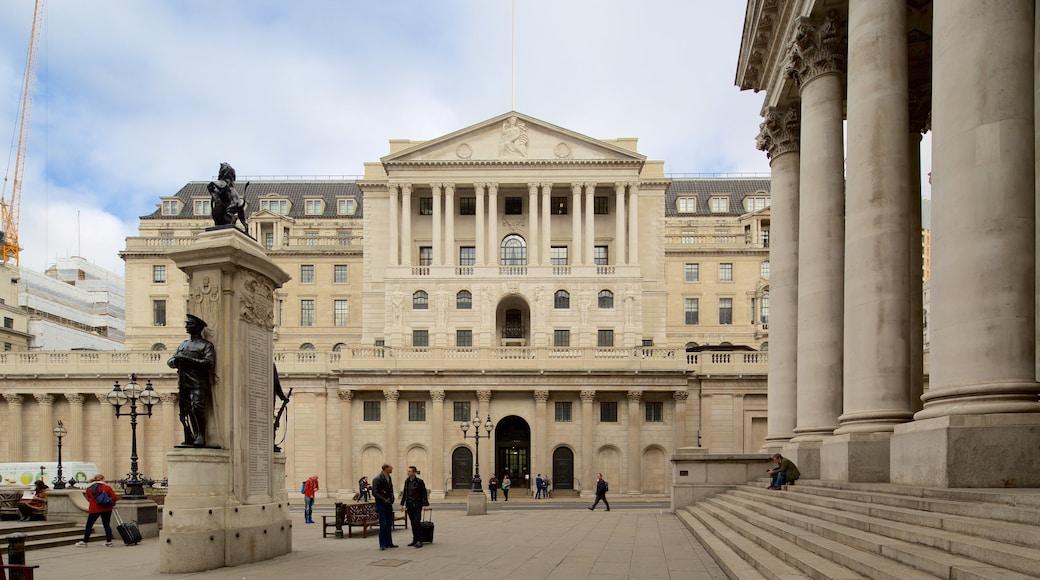 英國銀行博物館 其中包括 雕像或雕塑 和 歷史建築