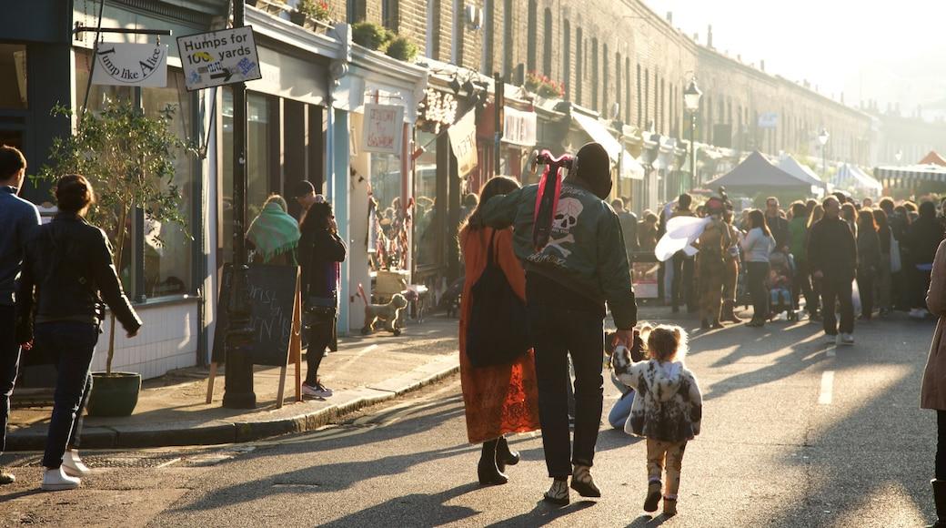 London presenterar gatuliv och marknader såväl som en familj