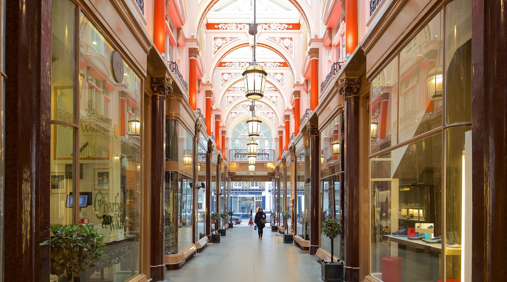 Royal Arcade which includes shopping, heritage elements and interior views