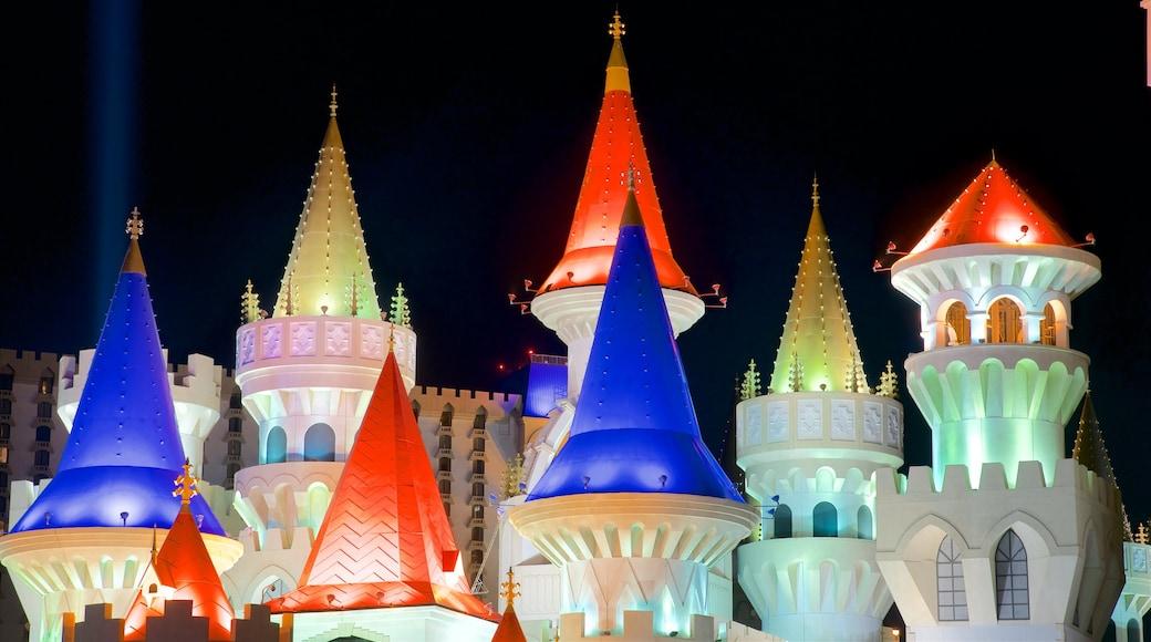 Las Vegas toont een kasteel en nachtleven