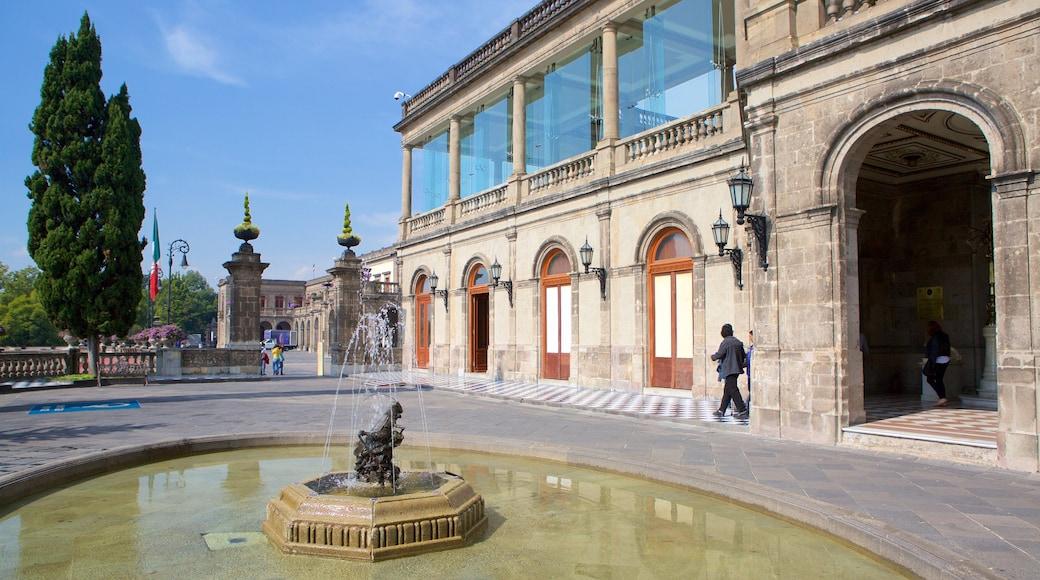 Castillo de Chapultepec que incluye una fuente