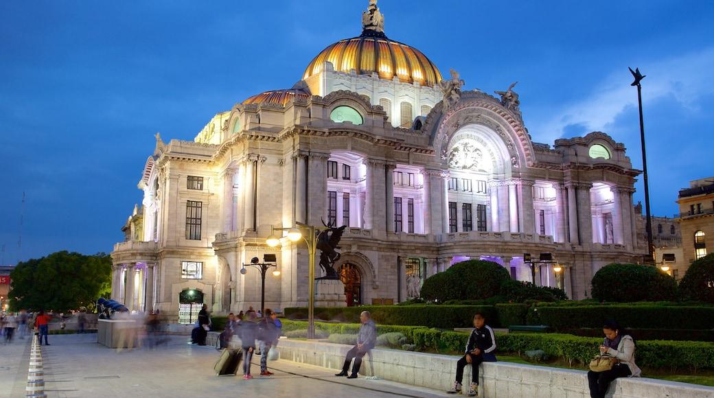 Palacio de Bellas Artes showing heritage architecture, theater scenes and a square or plaza