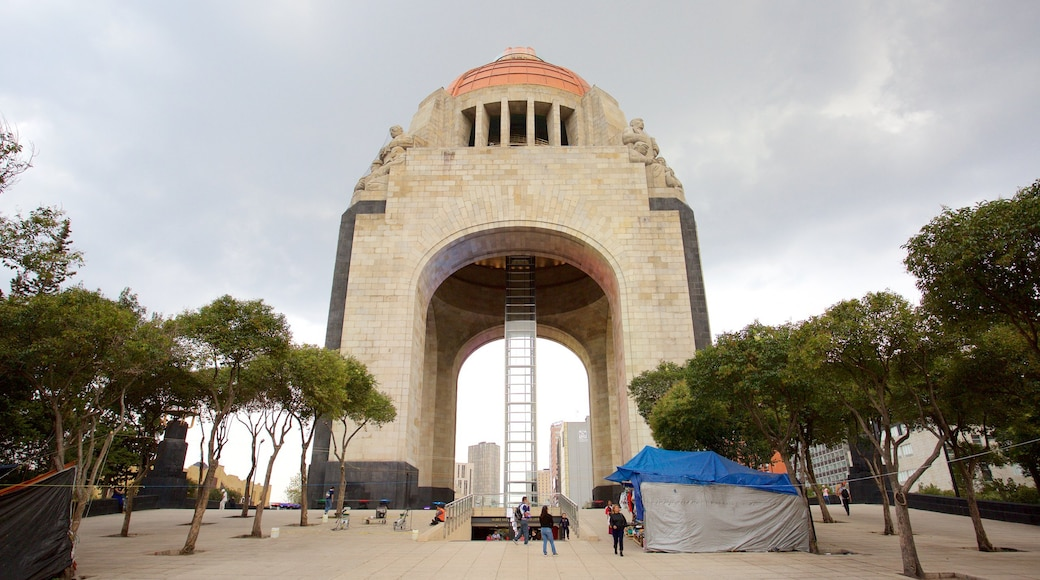Monument to the Revolution featuring heritage elements, a square or plaza and a monument