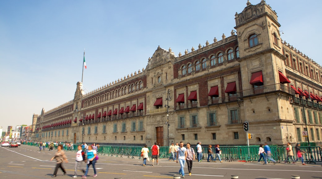 Palacio Nacional featuring heritage architecture, street scenes and an administrative buidling