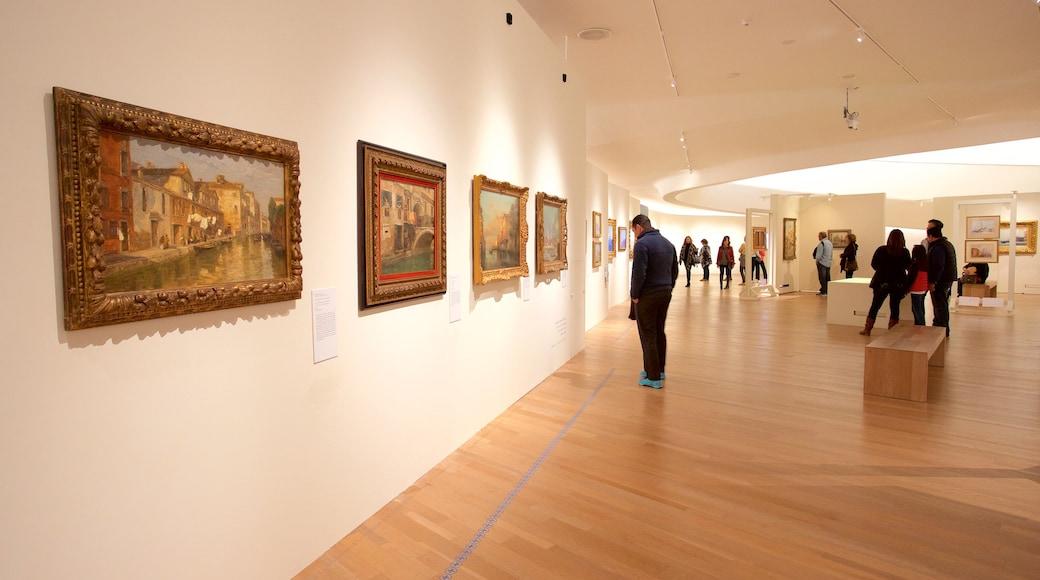 Museo Soumaya ofreciendo vistas interiores