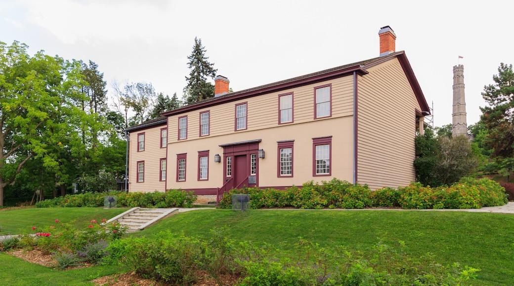 Hamilton featuring a house