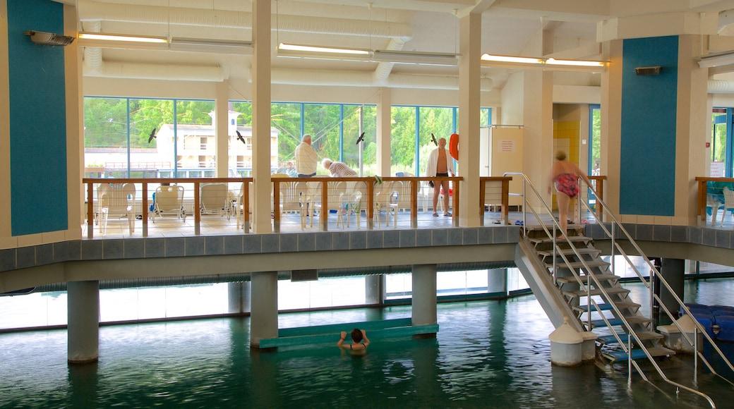 Lake Heviz mit einem Luxushotel oder Resort, Innenansichten und See oder Wasserstelle