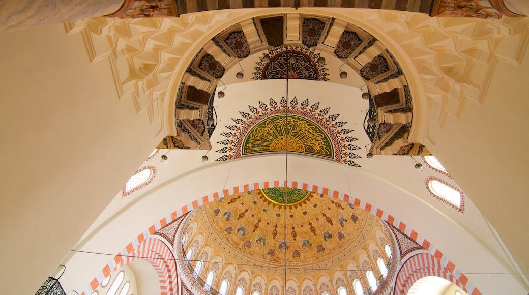 Mesquita Suleymaniye mostrando vistas internas e uma mesquita