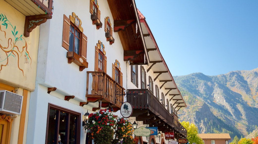 Leavenworth featuring street scenes and a small town or village
