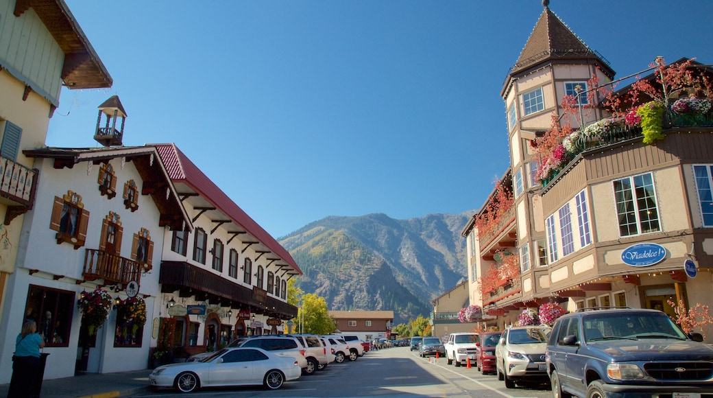 Leavenworth featuring a small town or village and street scenes