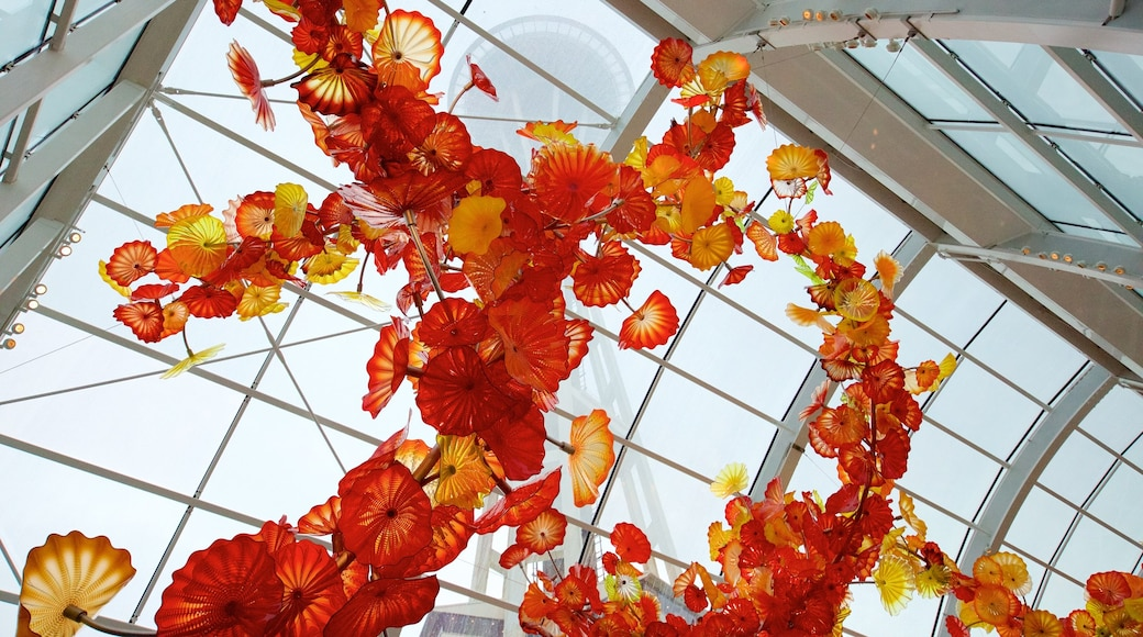 Dale Chihuly Glass Museum which includes art and interior views