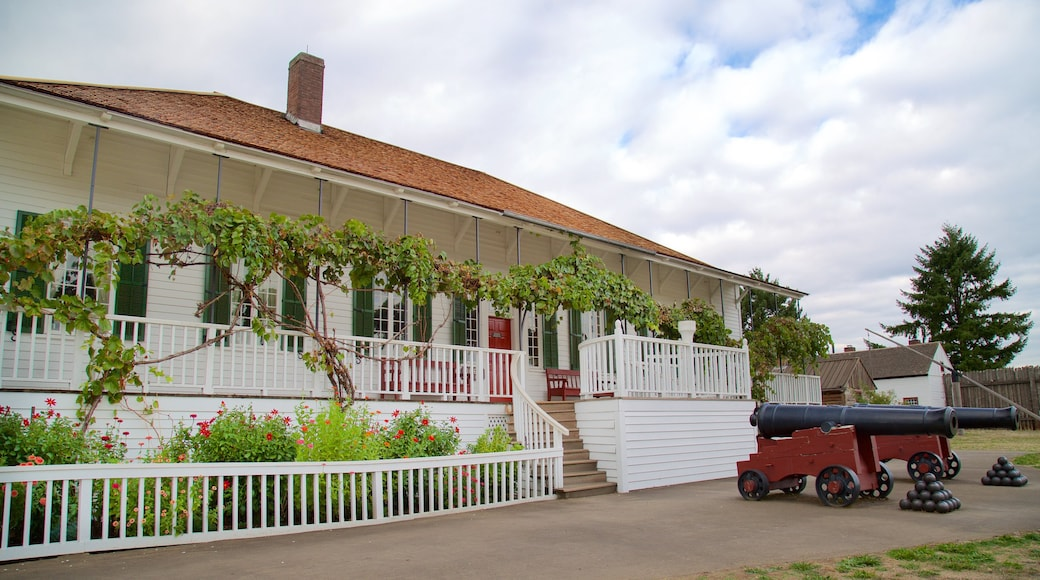 Fort Vancouver National Historic Site showing heritage architecture