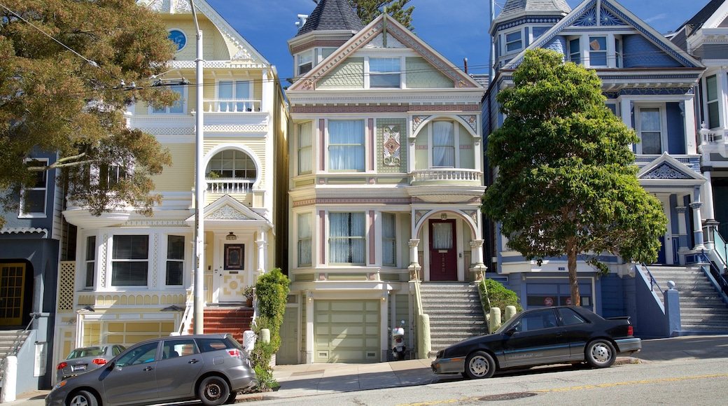 Haight-Ashbury showing a house, heritage architecture and street scenes