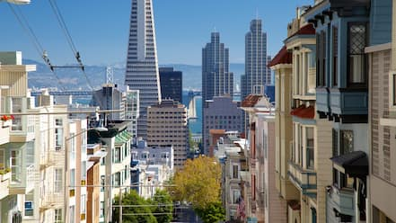 Nob Hill showing a city and street scenes