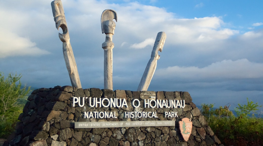 Pu\'uhonua o Honaunau National Historical Park showing a garden