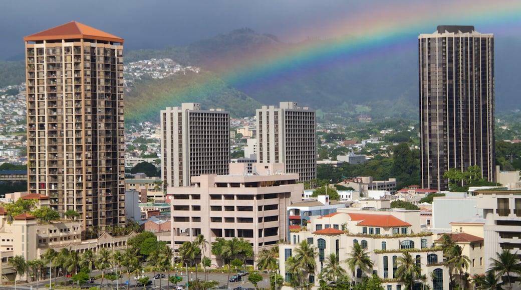 Aloha Tower featuring a city and skyline