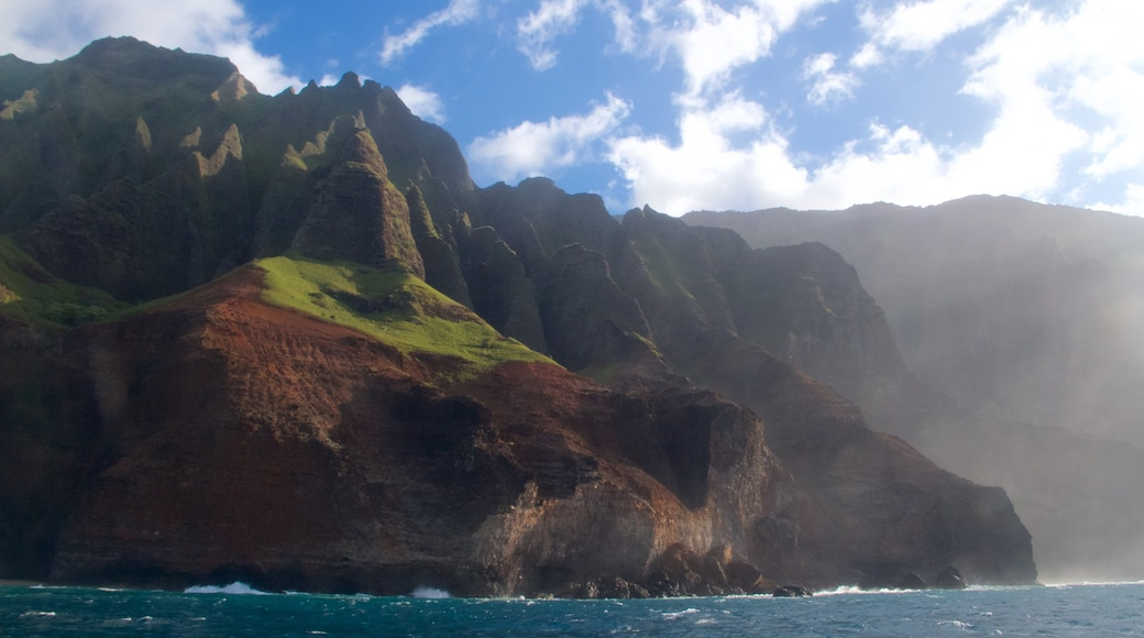 NaPali Coast State Park showing a gorge or canyon and general coastal views