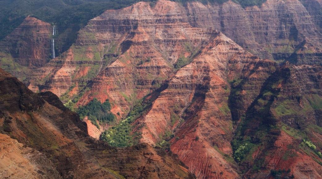 Waimea featuring a gorge or canyon
