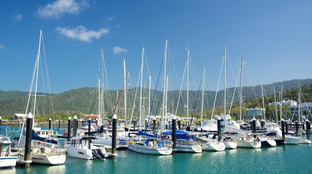 Airlie Beach showing boating, sailing and general coastal views