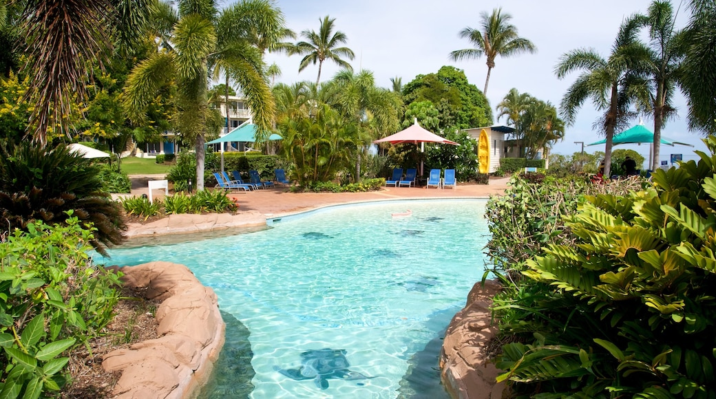 Daydream Island Rejuvenation Day Spa featuring a pool and a luxury hotel or resort