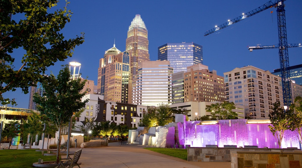 夏洛特 设有 城市, 摩天大樓 和 公園