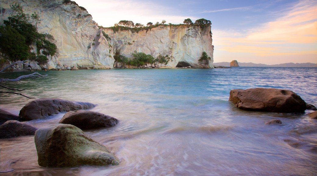 Whitianga which includes a sandy beach, rocky coastline and a bay or harbour