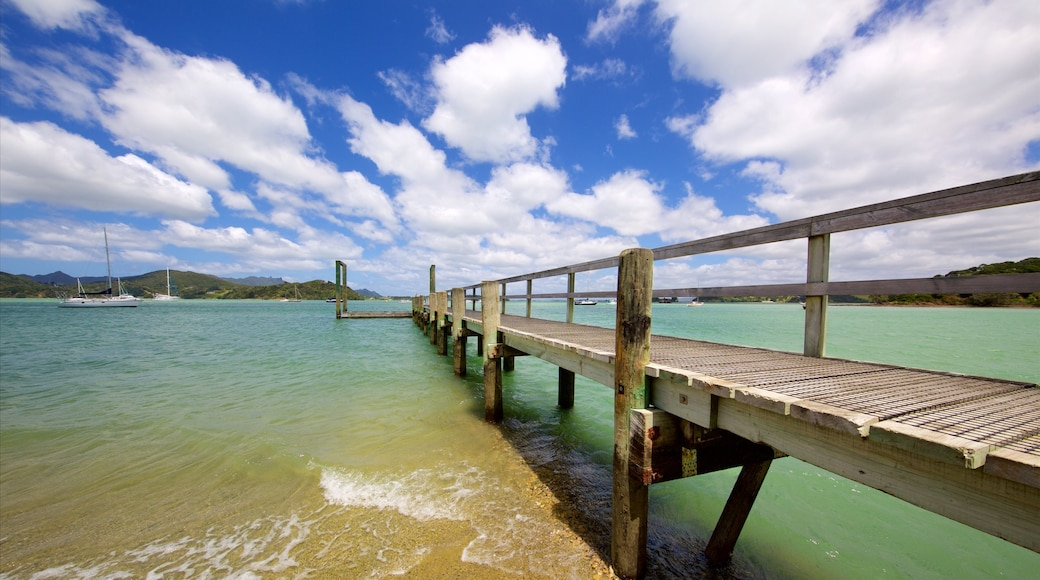Whangarei which includes a bay or harbour